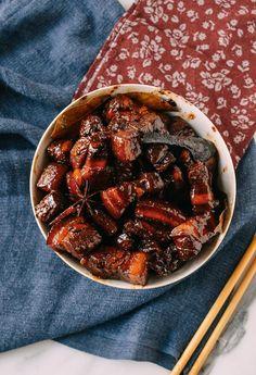 Chairman Mao's Red Braised Pork Belly recipe by thewoksoflife.com