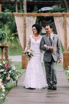 Curly Bridal Hair, Lace Wedding, Wedding Dresses, Fashion, Santa Catarina, Minimalist Wedding, Engagement, Nice, Events