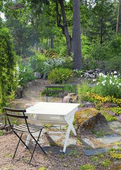 Outdoor Furniture Sets, Outdoor Decor, Balcony Garden, Dream Garden, Outdoor Gardens, Farmhouse Decor, New Homes, Pergola, Flowers