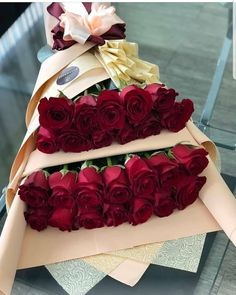 💕 Tag your friends 😍 Valentine Flower Arrangements, Valentines Flowers, Floral Arrangements, Flower Box Gift, Flower Boxes, Beautiful Rose Flowers, How To Wrap Flowers, Hand Tied Bouquet, Luxury Flowers