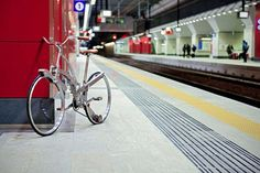 Bicycle designed to fold to a size of an umbrella