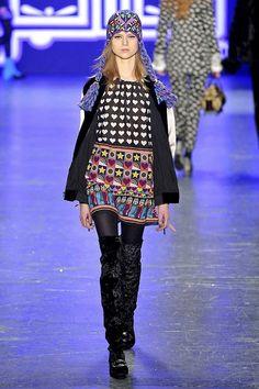 Anna Sui at New York Fashion Week Fall 2016 - Runway Photos Anna Sui Fashion, Fashion Show, Boho, Fall 2016, New York Fashion, Runway, Menswear, Couture, Outfits