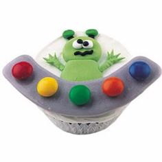 I want to throw an alien party, and have these awesome cupcakes!
