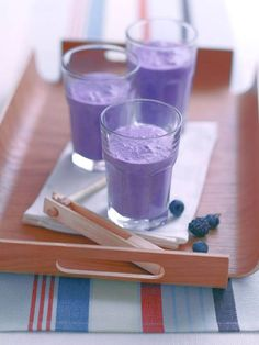 Vitamin C Smoothie To Start Your Day. Juice Smoothie, Smoothie Drinks, Smoothie Recipes, Yummy Drinks, Healthy Drinks, Healthy Snacks, Healthy Sweets, Healthy Smoothies, Honey And Cinnamon