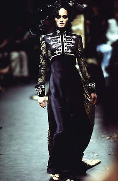 1996-97 - Galliano 4 Givenchy Couture - Amber Valletta