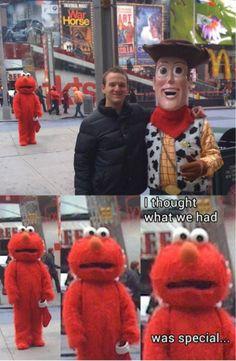 Hahaha, this is so creepy but soooo funny!