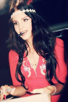 love lana del rey with dark hair