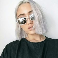 Hair: Blunt Cut Bob, Chin Length, Silver - Gray/White Colored