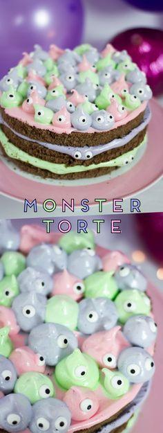 #monstertorte #halloween Rezept für eine Monstertorte mit Marshmallow-Frosting an Halloween, Geburtstagen oder Kinderfeiern