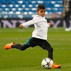 Ronaldo Cristiano Cr7, Cristano Ronaldo, Cr7 Jr, Cr7 Junior, Premier League Goals, Young Cute Boys, Sports Celebrities, Soccer Players, Messi
