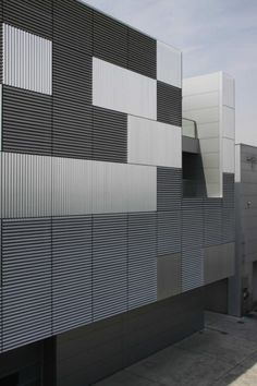 Gallery of Breathing Factory / Takashi Yamaguchi & Associates - 5 Architecture Du Japon, Factory Architecture, Japanese Architecture, Facade Architecture, Amazing Architecture, Installation Architecture, Facade Design, Exterior Design, Le Manoosh