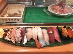 Sushi at Tsukiji fish market, Tokyo, yes plz