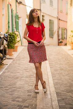 T-Shirt JOSEPH  #terreetmer #été #cassis Joseph, Sequin Skirt, T Shirt, Sequins, Tees, Skirts, Collection, Vintage, Style