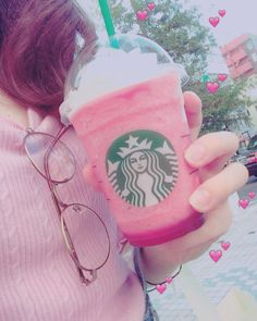 #tbt #starbucks #pink #frappuccino by s_reina