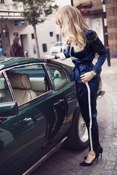 MAIMIE LONDON - your chauffeur is waiting what better than to commute in your favourite silk outfit   #Silk #fashion #glamour #pajamas #MaimieLondon #comfort #MadeinLondon