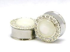 15 wedding plugs and tunnels for stretched ears | @offbeatbride