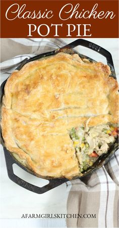 Homemade Chicken Pot Pie is a double flaky pie crust filled with shredded chicken chopped onions carrots peas in a creamy sauce. For this chicken pot pie recipe Ive used a homemade pie crust and baked in a cast iron skillet. Chicken Pot Pie Crust, Homemade Chicken Pot Pie, Pot Pie Crusts, Costco Chicken Pot Pie Recipe, Chicken Pop Pie, Skillet Chicken Pot Pie Recipe, Chicken Cast Iron Skillet, Creamy Chicken Pie, Healthy Chicken Pot Pie