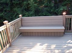 Great built in bench on a custom deck