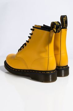Doc Martens - What are they and how do you wear them? Dr. Martens, Doc Martens Boots, Doc Martens Women, Lace Up Combat Boots, Knee Boots, Rain Boots, Blue Dress Shoes, Baskets, Fashion Heels