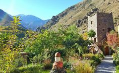 Good morning from Kasbah du Toubkal one of Unique Lodges of the World by @natgeo . Starting our 2 days hike.