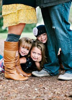 Fun Family Photo Ideas Family Photo Idea by Millie Holloman Photography - Family Photo Idea by Millie Holloman Photography -