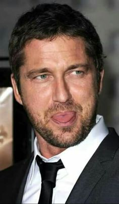 Gerard butler looks so cute!