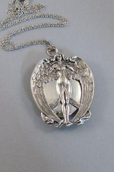 NikeWinged GoddessWingsAngel Locket Angel by ValleyGirlDesigns Moon Jewelry, Cute Jewelry, Crystal Jewelry, Silver Jewelry, Jewelry Accessories, Jewelry Design, Silver Ring, Jewelry Necklaces, Antique Locket