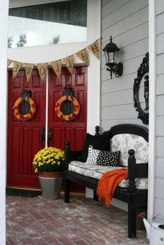 Ghostly Halloween decoration ideas wreath coffee flowers Festival