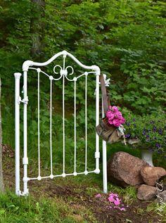 DIY Garden Gate Made From An Antique Baby Crib Headboard... Wow! So