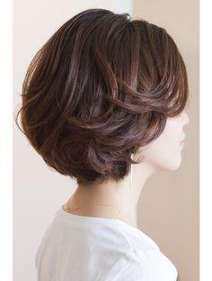 美容室ロハン ワンレンボブ Short Hair With Layers, Layered Hair, Short Hair Cuts, Asian Short Hair, Mom Hairstyles, Short Bob Hairstyles, Haircuts, Wavy Hair, New Hair