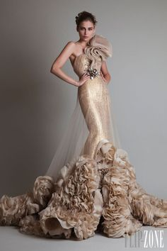 "Krikor Jabotian - Couture - ""Closure"", F/W 2013-2014 - http://en.flip-zone.com/fashion/couture-1/independant-designers/krikor-jabotian-4063"