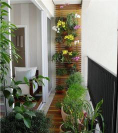 Wooden floors and walls work best with your potted plants and flowers. Arrange them neatly and artistically up your fully furnished wooden wall. This gives you good access to all your flowers and serves as wonderful wall décor as well.