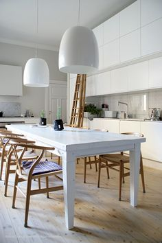 Decor, Furniture, Dining, Dining Table, Apartment, Sofas, Table, Home Decor, Kitchen
