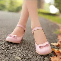 2014 New  Pastel Color Lolita Bow  Shoes. Three Colors Available from Moooh!!  the heels are small but the look is feminine a great pastel pink
