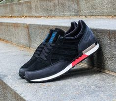 adidas Originals Phantom – Black / Black –White Vapour