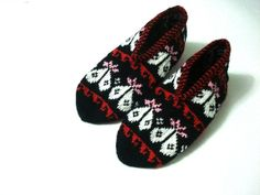womens slippers hearted slippers Turkish Socks by AnatoliaDreams, $27.50