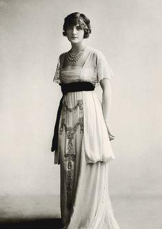 - Lily Elsie (1910-es évek), színésznő