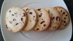 Cranberry pistachio shortbread cookies - Siba's Table