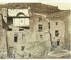 GRABADOS Y PRIMERAS FOTOS DE ALICANTE ~ Alicante Vivo- Vieilles maisons de L´Arrabal Roix, un dibujo de Gotorbe, publicado en La Tour du Monde, en 1892.