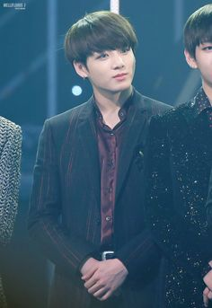 SEEING THAT SLIGHT SMILE ON jUNGKOOK MAKES ME LAUGH SO BAD...DK Y