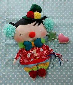 this doll artist wasn't clowning around when it came to imagination on a tilda sweetheart! (pardon the pun...just having some fun. tee.hee.) love it!