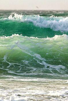 don't look back — Beach lovers No Wave, Ocean Scenes, Beach Scenes, Sea And Ocean, Ocean Beach, Sunset Beach, Seascape Paintings, Landscape Paintings, Green Ocean