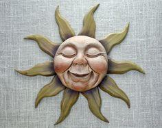 Sol tallado en madera, mano talló la pared escultura, tallado en madera por Mike Berlín
