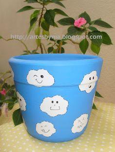 vaso de cerâmica decorado - nuvens com carinhas