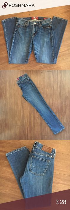 LUCKY BRAND SOPHIA JEANS SZ 6/28 BACK TO SCHOOL Amazing shape Sophia ankle jeans in medium wash. Inseam is in the pictures. Lucky Brand Jeans Ankle & Cropped
