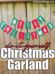 This DIY Felt christmas garland is perfect for decorating your home, using as a photo backdrop or even held between two people for a photo.