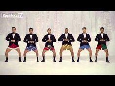 Jingle Bell, la sorpresa è nei boxer: lo s... - YouTube