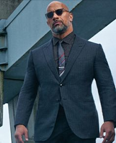 Dwayne Johnson in Ebony magazine. Dwayne Johnson Ballers, Dwayne Johnson Movies, The Rock Dwayne Johnson, Rock Johnson, Dwayne The Rock, Bald Men With Beards, Bald With Beard, Raining Men, Hollywood Actor