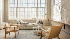 Variation de beiges pour un salon cosy Living Room Modern, Home Living Room, Apartment Living, Living Room Designs, Living Room Decor, Scandinavian Interior Design, Home Interior Design, Interior Decorating, Decorating Ideas