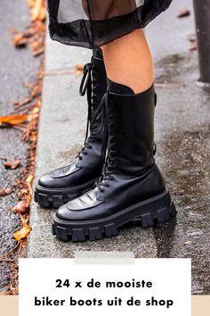 Van hoog tot laag. Met plateauzool of veters; biker boots zijn er in allerlei soorten en maten. Met deze stevige laars trotseer je de winterse temperaturen en stap je zonder problemen door een hevige sneeuwbui. De biker boots zijn vervaardigd in het klassieke zwarte leer, maar zijn ook te vinden in het bruin, met gespen en/of studs. Prada, Chelsea, Trends, Combat Boots, Fall Winter, Studs, Fitness, Gaming, College